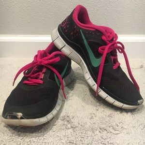 Nike Free Run Shoes Black & Pink with Teal Swoosh